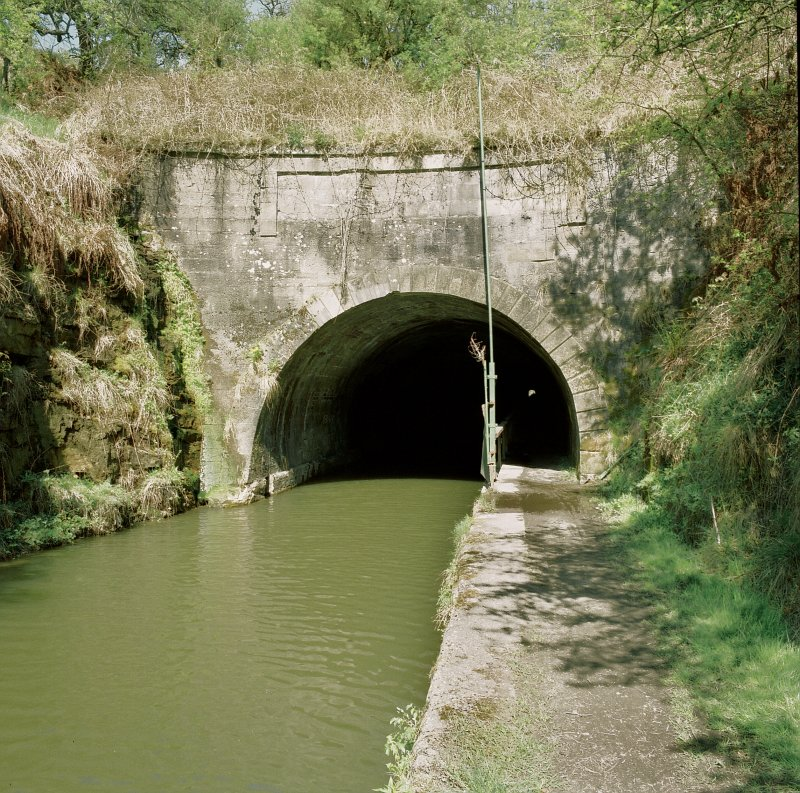 View of tunnel entrance, from SSE Digital image of E/5862/cn