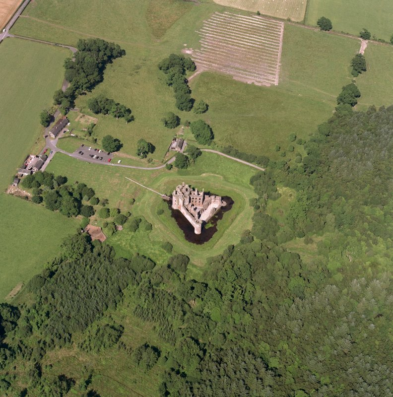 Oblique aerial view of Caerlaverock Caslte, taken from the SW, centred on the castle. Digital image of D 16579 CN