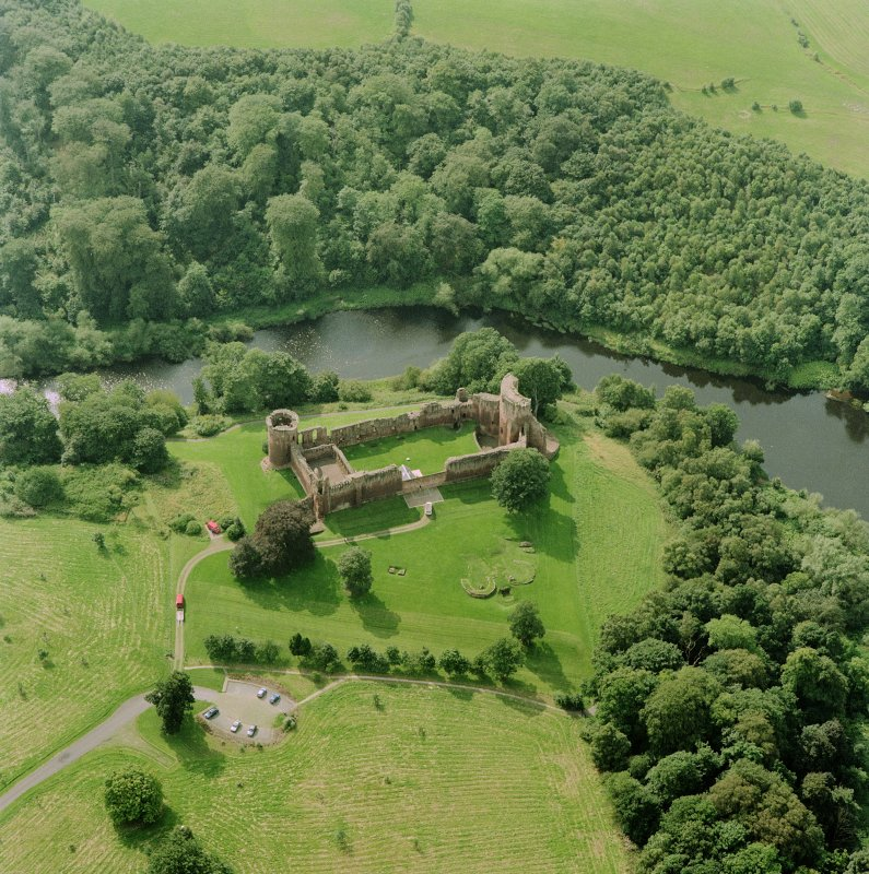 Bothwell Castle, oblique aerial view, taken from the NNE. Digital image of D 32207 CN