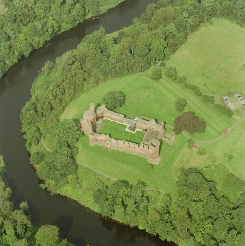 Bothwell Castle, oblique aerial view, taken from the SSE. Digital image of D 32212 CN