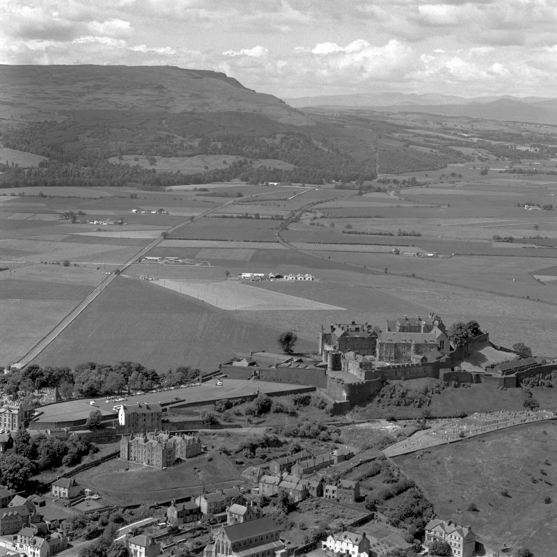 Stirling Castle, oblique aerial view from E.