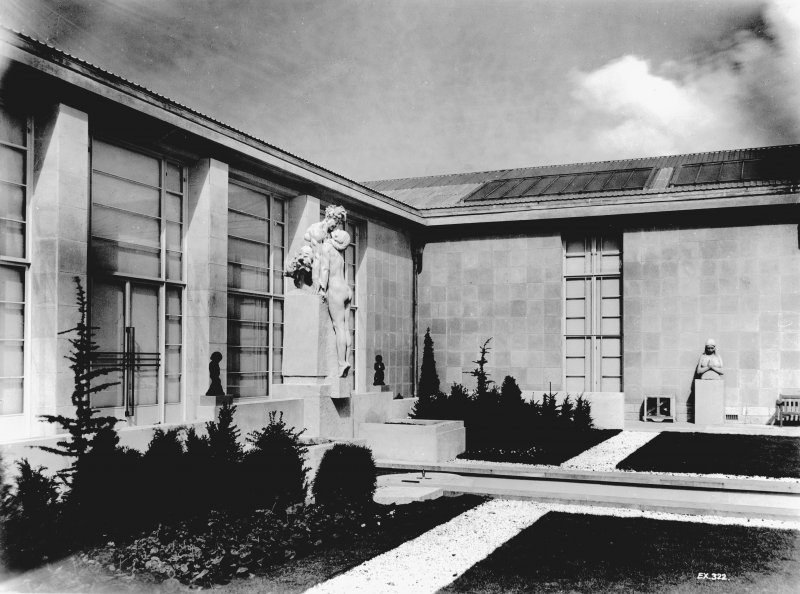 Empire Exhibition, 1938 Press photograph of statue