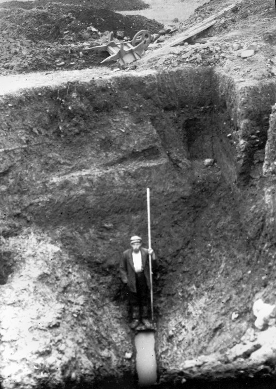 Photograph from 1905-9 excavation of Newstead Roman Fort, showing bottom of titulus, W gate.