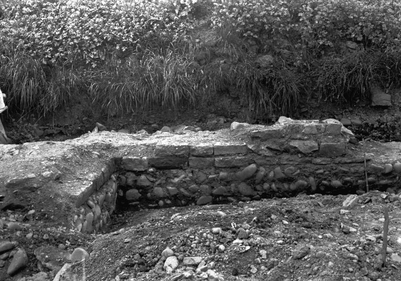 Excavation photograph showing W side of praetorium during the James Curle excavation, 1905-1909.