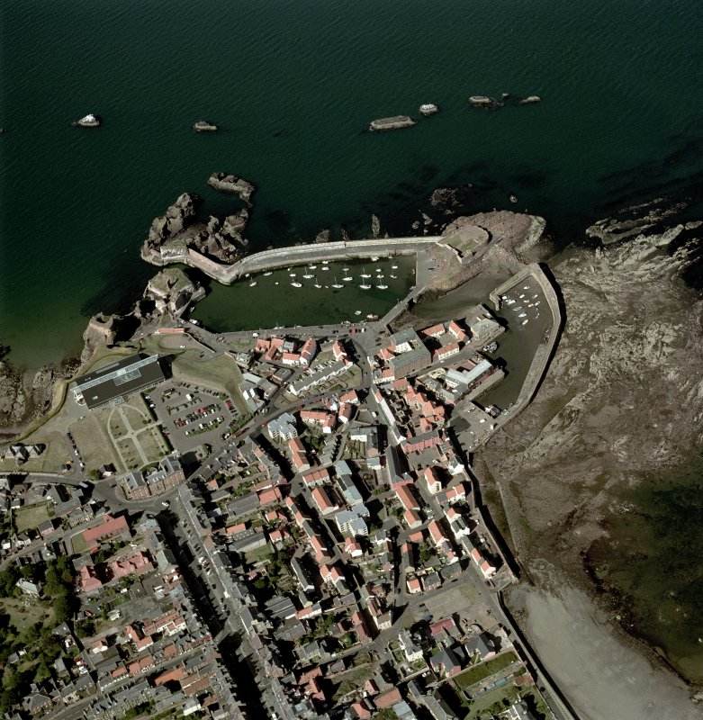 Oblique aerial view centred on Dunbar harbour, taken from the S.