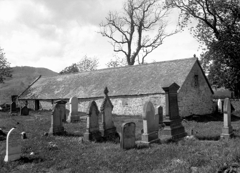 Grandtully, St. Mary's Chapel. General view of Chapel and graveyard.