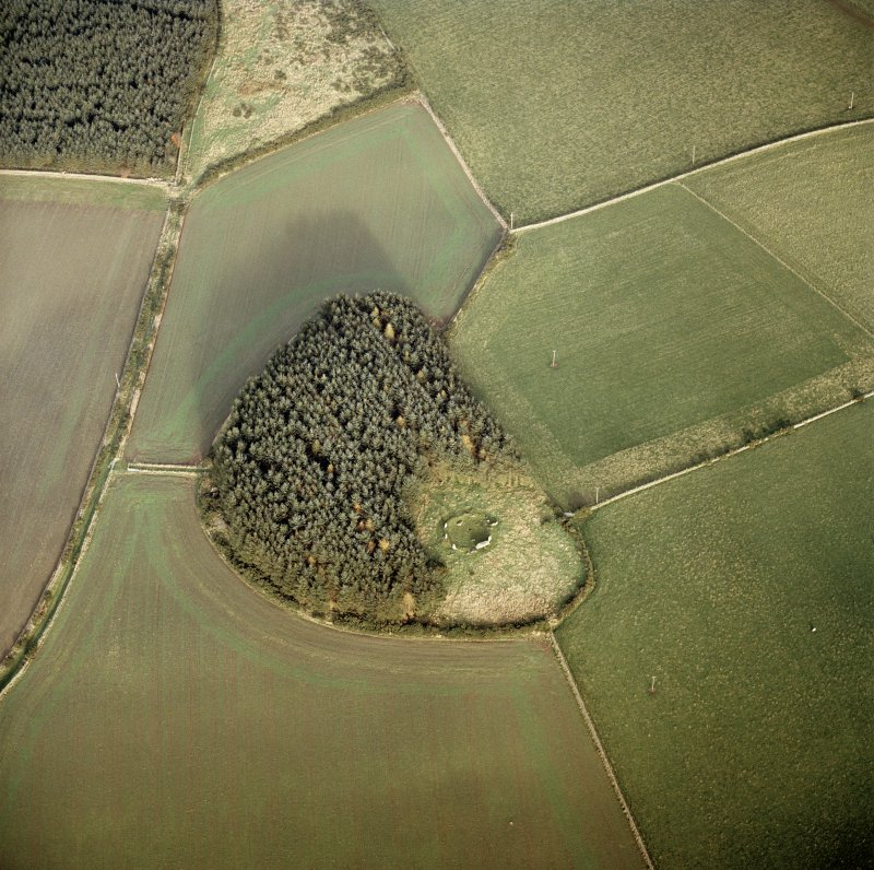Oblique aerial view centred on the remains of the Aikey Brae recumbent stone circle, taken from the SW. Photograph taken in 2004.