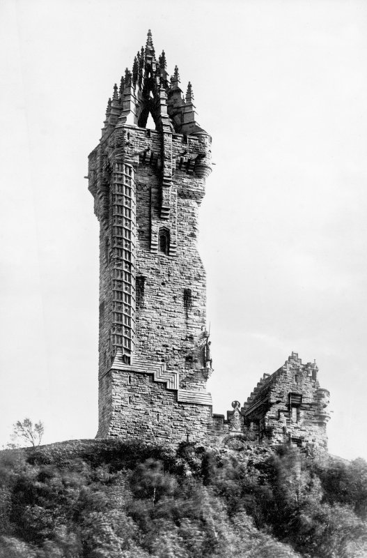 Historic photographic view of Wallace Monument.