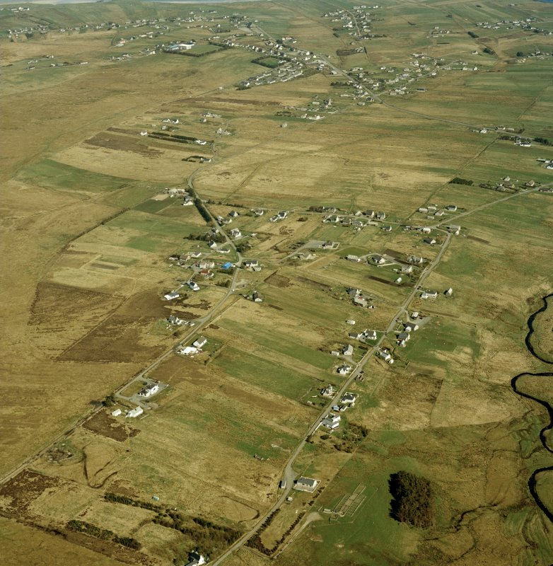 General oblique aerial view centred on the crofting township, taken from the SW.