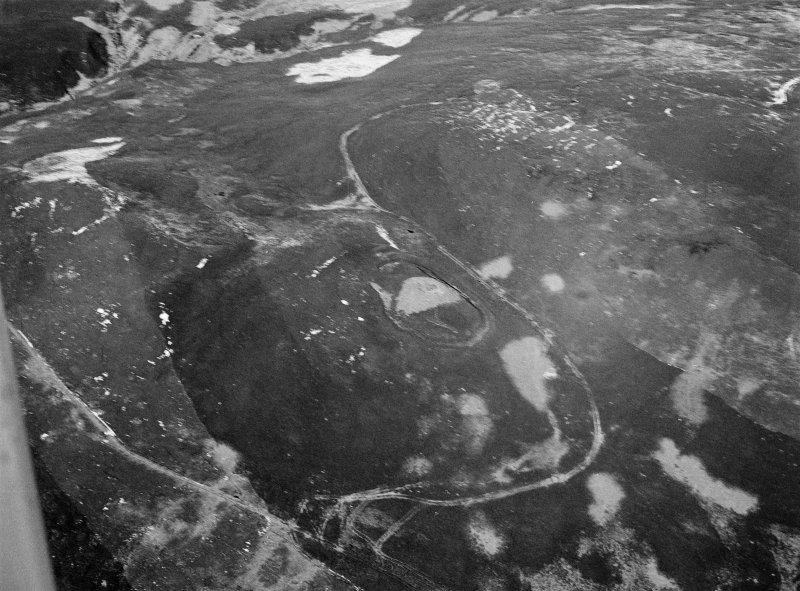 Oblique aerial view of Kilphedir broch, looking to the NNE.