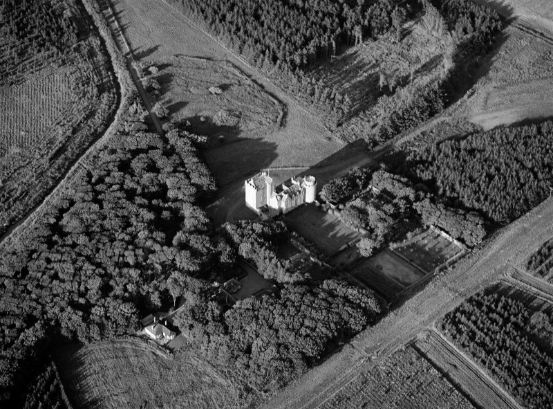 Oblique aerial view centred on Cairnbulg Castle, looking to the NE.