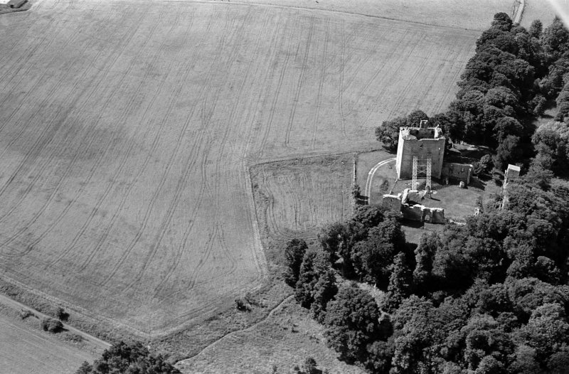 Oblique aerial view centred on the remains of Spynie Palace, looking to the WSW.