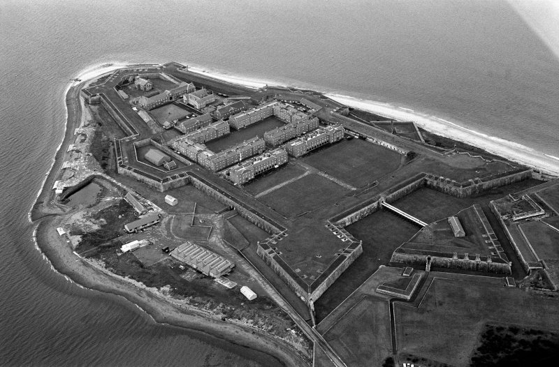 Oblique aerial view centred on Fort George, looking to the WNW.