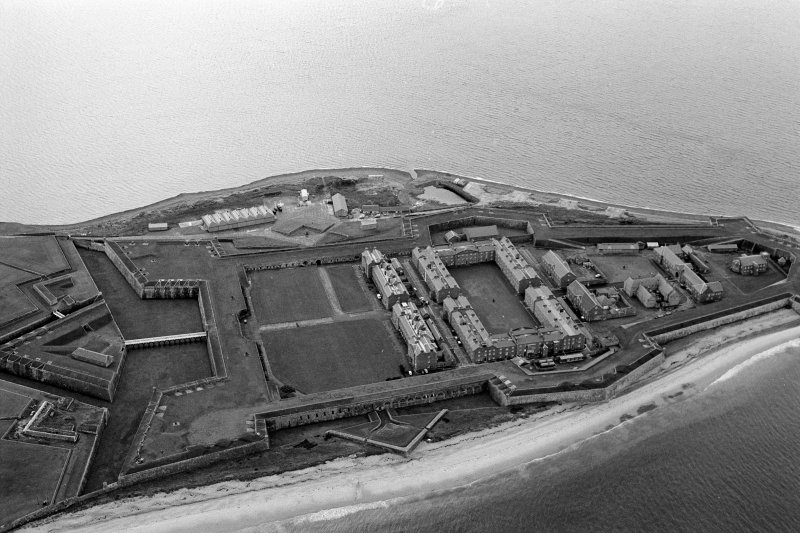 Oblique aerial view centred on Fort George, looking to the SSE.