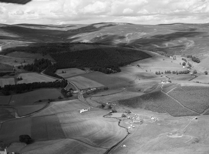 Oblique aerial view centred on Cockbridge, looking to the NE.