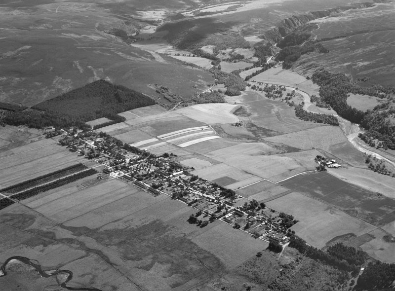 Oblique aerial view centred on Tomintoul, looking to the NE.