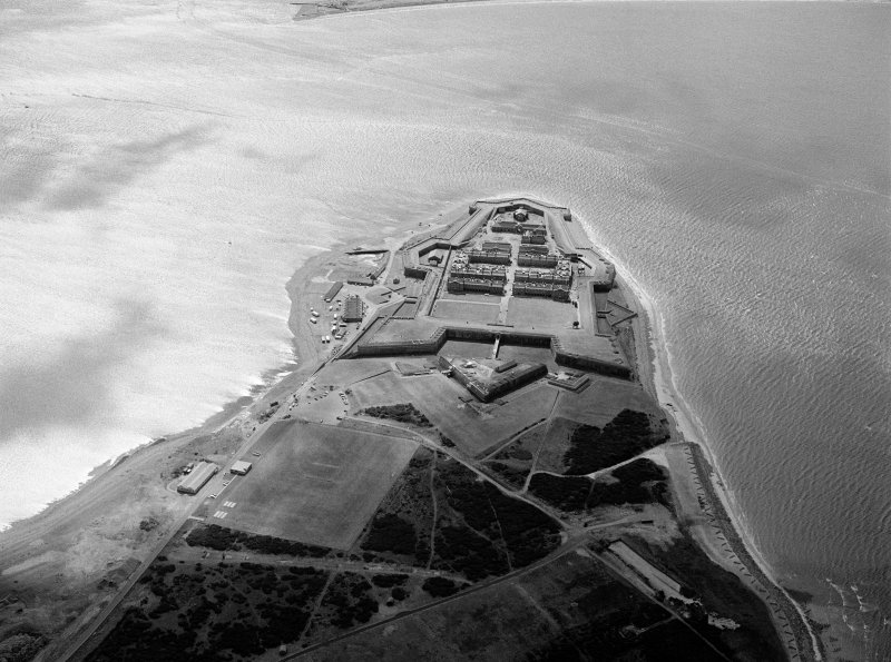 Oblique aerial view centred on Fort George, looking to the SW.
