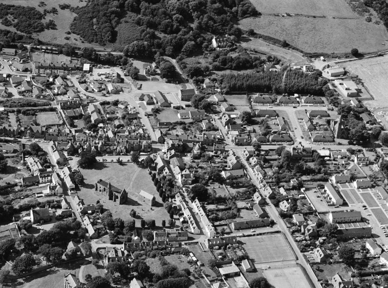 Oblique aerial view centred on Fortrose Cathedral, looking to the NW.