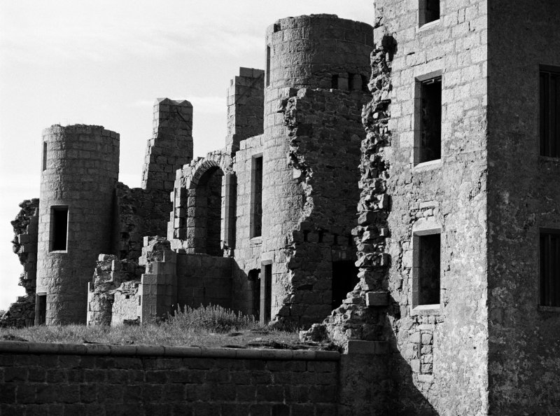 Detailed view on the remains of Slains Castle, looking to the SW.