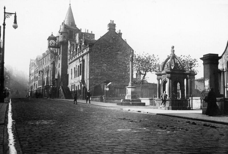 View from south east of Burgh Cross and Tolbooth.