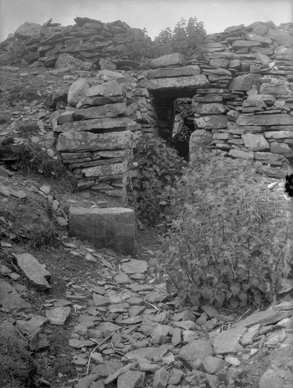 Entrance way, Yarrows Broch. Digital copy of photograph.