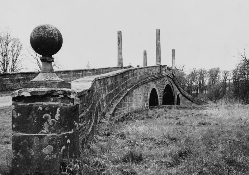 General view of bridge.