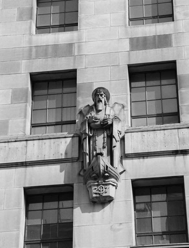200 St Vincent Street Detail of South front, showing statue