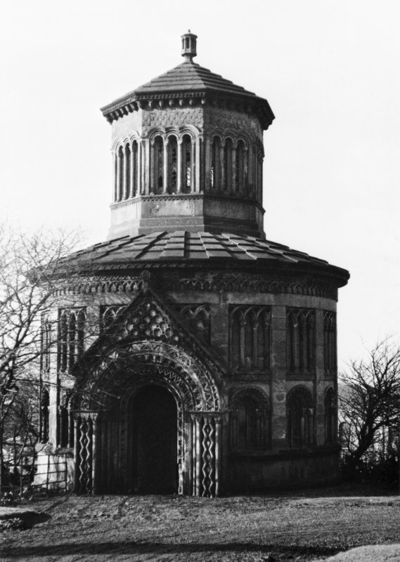 Glasgow Necropolis, view of Monteith Mausoleum from the east.