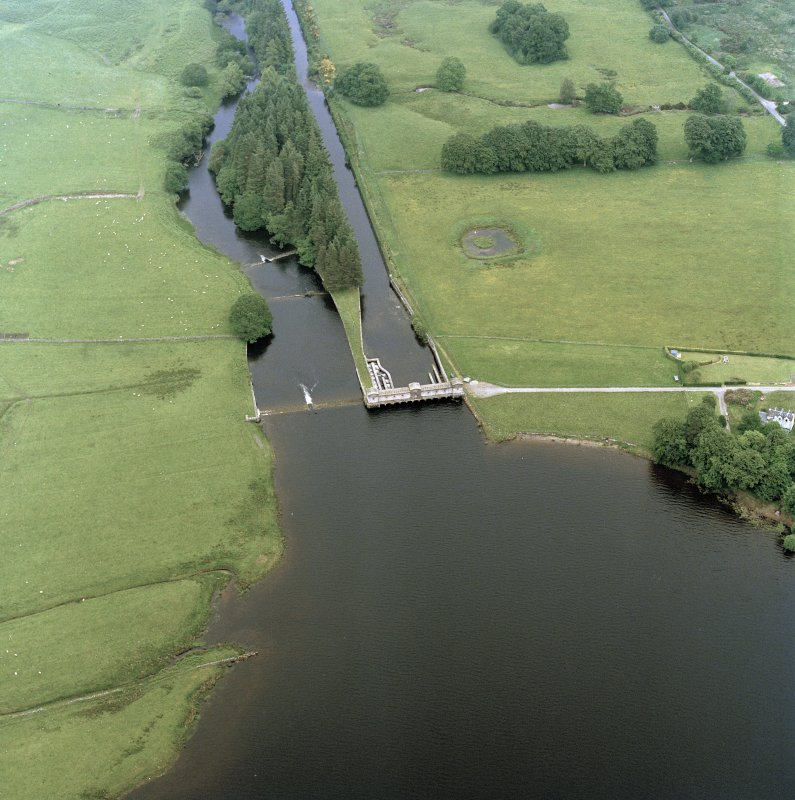Oblique aerial photograph of Loch Vennechar Sluice House and Reservoir