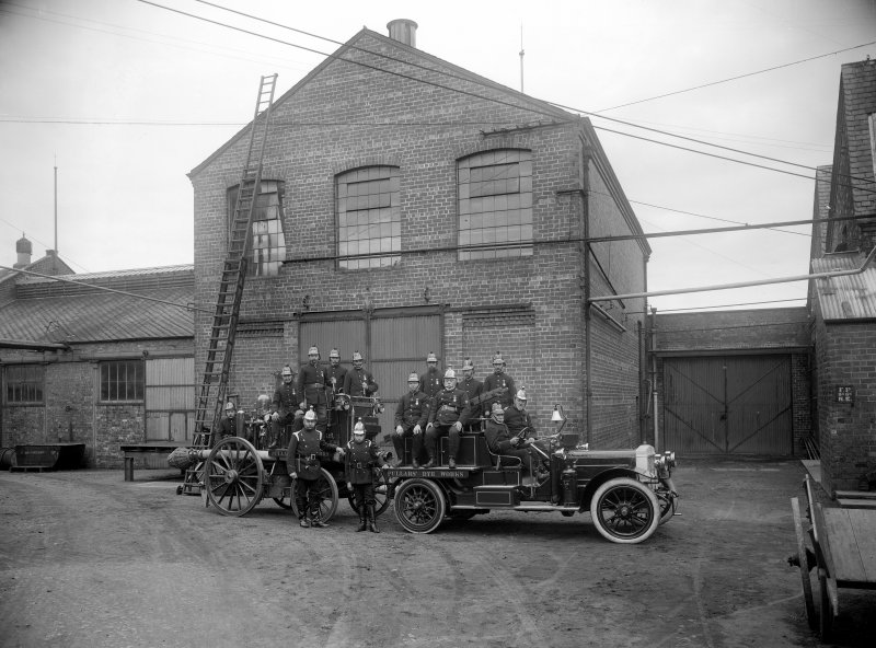 Perth, Pullars Dye Works, Kinnoull Street, Mill Street. View of Pullars Dye Works with fire-engine.