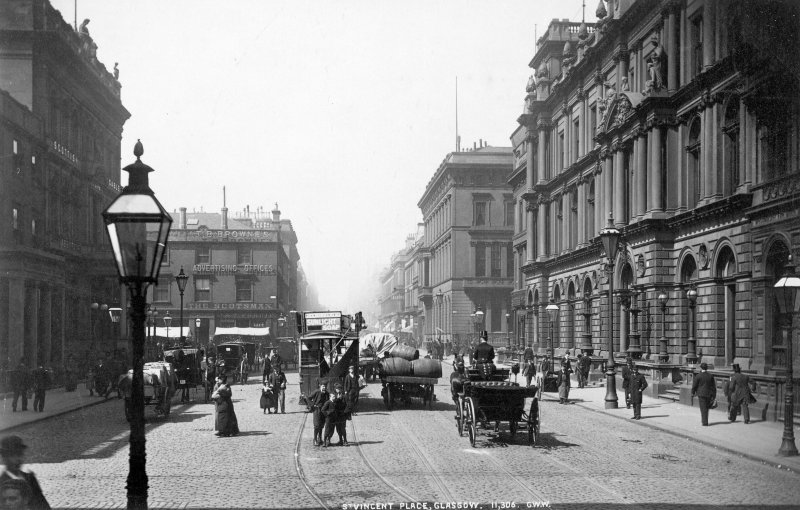 View of St Vincent Place, Glasgow including the Clydesdale bank.