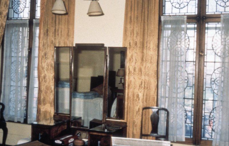 Glasgow, 1 Princes Terrace, interior Detail of bedroom window.