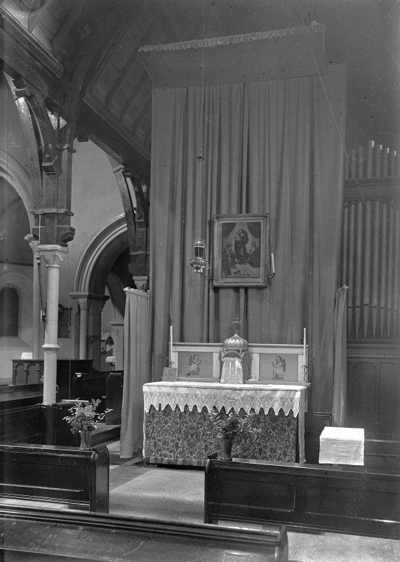 Interior-general view of altar