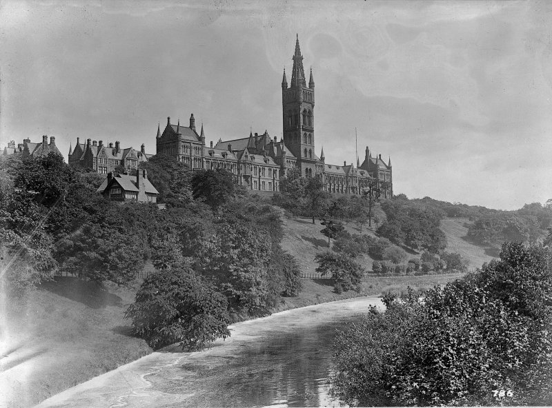 Distant view of University of Glasgow.