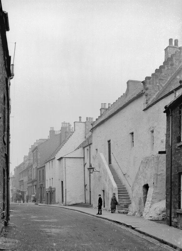 Houses in Queen Street & the Palace (Grey Friars Hospitum), Inverkeithing.
