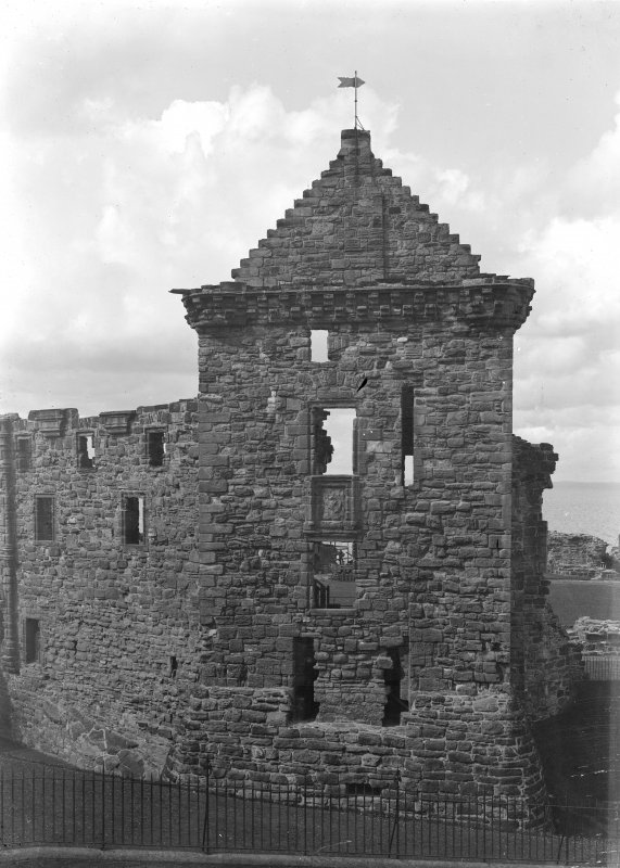 St Andrews Castle: Fore tower showing old entrance.