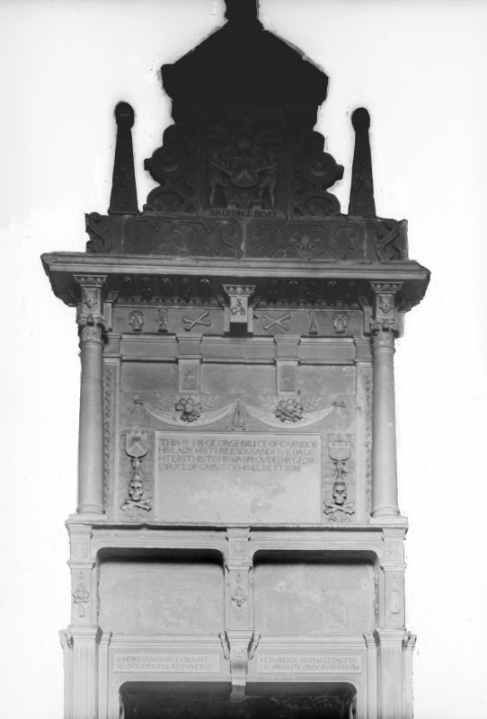 Tomb of Sir George Bruce - lower part