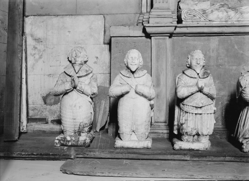 Tomb of Sir George Bruce - effigies of three sons