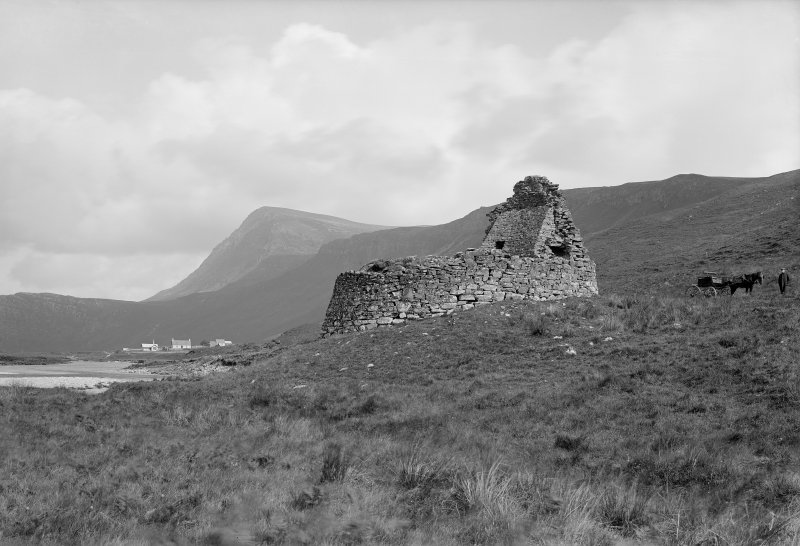 General view of Dun Dornaigil broch.  Photographed by Erskine Beveridge in 1899.
