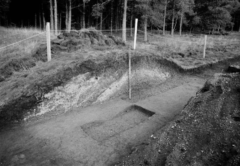 Excavation photograph: Film 93/BW/2: Section through bank, NW side of cut, Site B at Cleaven Dyke. Illustration 30.