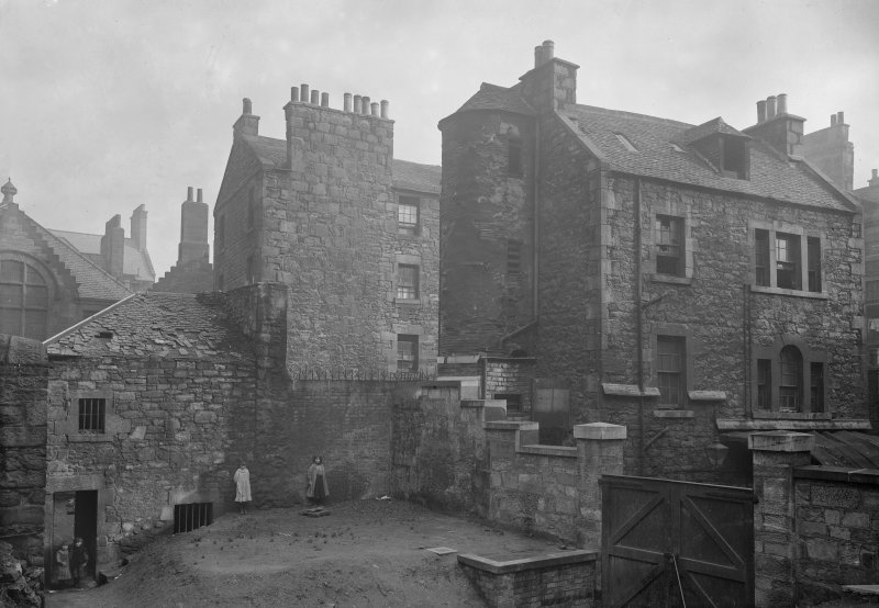 View of Hangman's House at No 140 Cowgate, Edinburgh, prior to demolition.