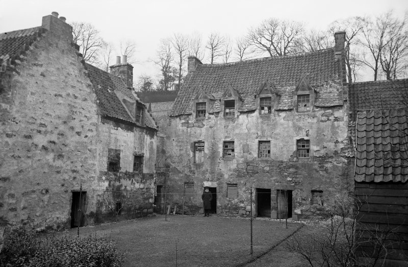Culross Palace View of front. Scanned from original glass plate negative. Envelope titled by Erskine Beveridge 'The Palace Culross'
