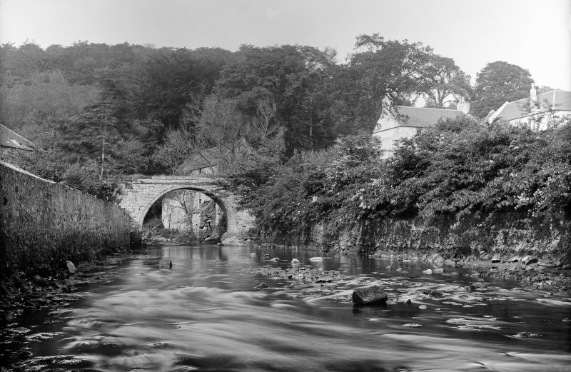 Newmills, Old Bridge. View of bridge looking up the Bluther Burn from the south. Scanned from glass plate negative. Original envelope annotated by Erskine Beveridge 'Old Newmilns Bridge'