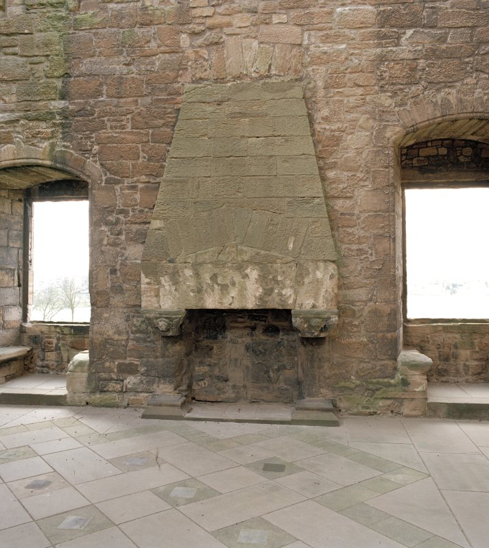 Linlithgow Palace. West range, 1st. floor, Royal apartments, view of fireplace