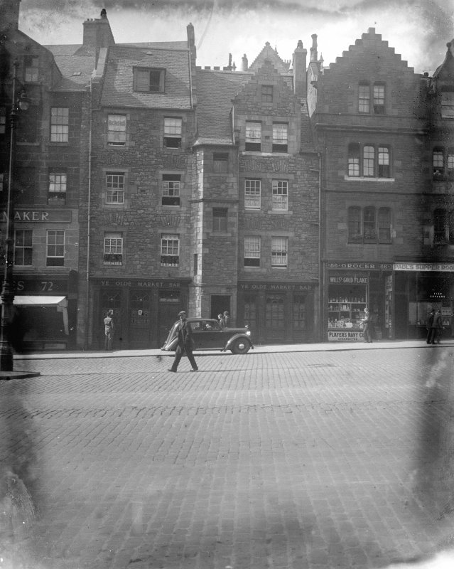 View of 74-84 (even) Grassmarket after restoration of 1929-1930 flanked by Nos 72 and 86