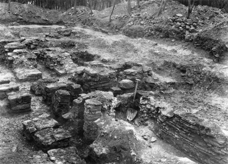 Photograph of Rough Castle Roman Fort excavation to illustrate a report by Mungo Buchanan in PSAS xxxix (1904-5)