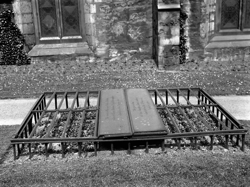 General view of type of mortsafe in Greyfriars Churchyard Inv.fig. 204