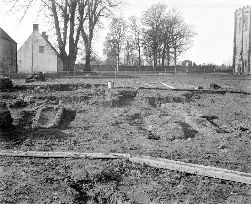 General view of excavations.