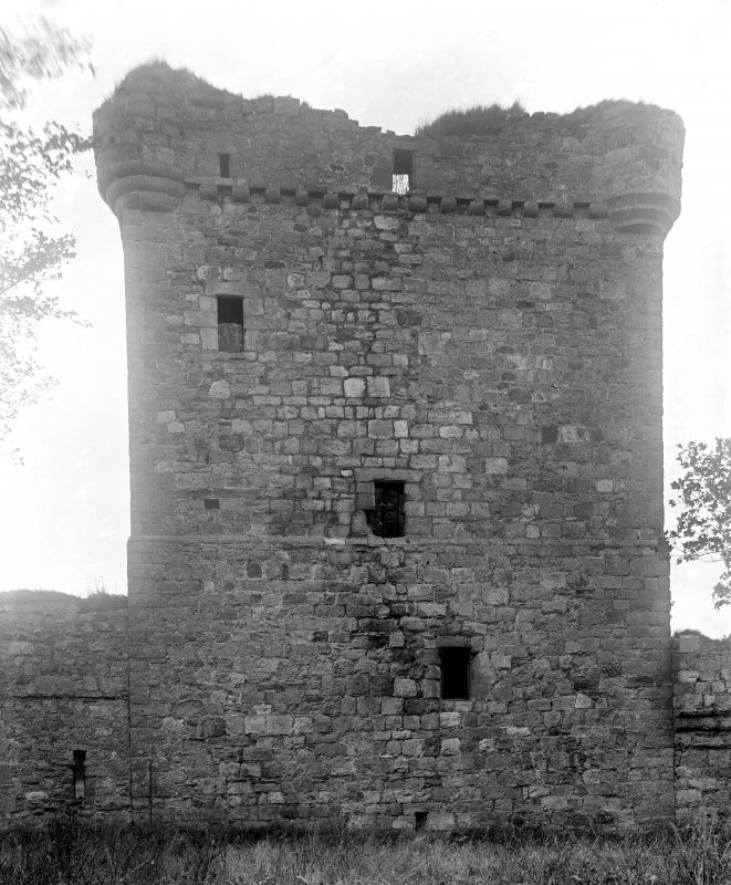 The keep. North wall.