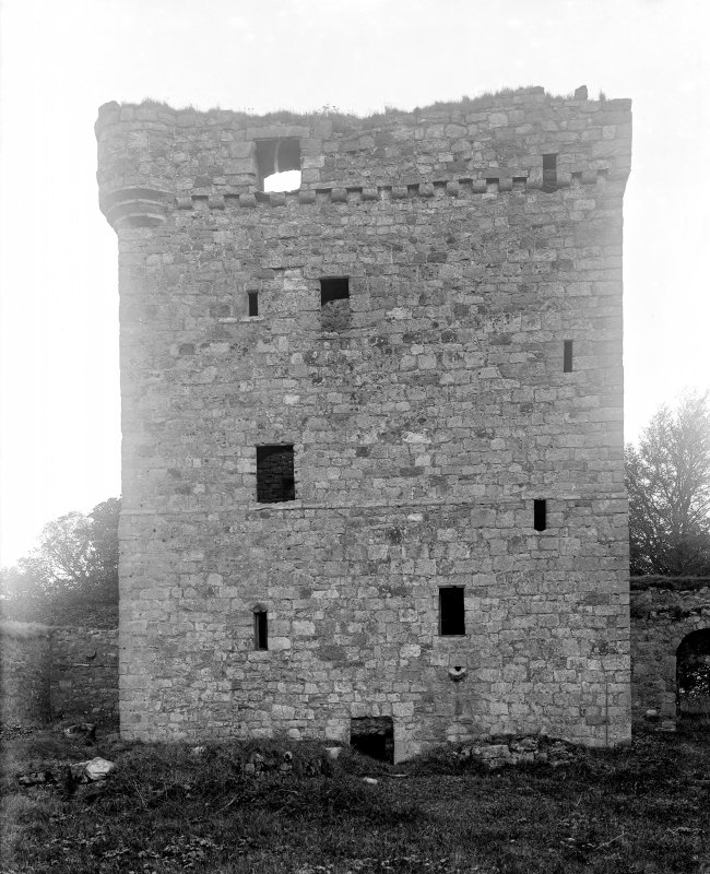 The keep, south elevation.